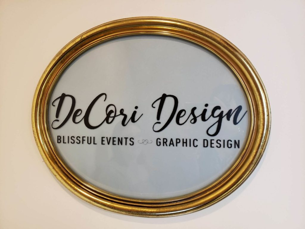 Decori Design sign